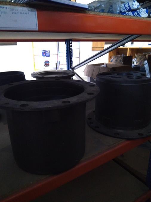 Cubos cardilla posterior Iveco 330-30