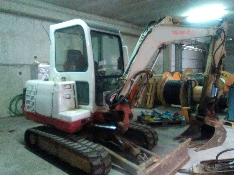 Excavadora Takeuchi