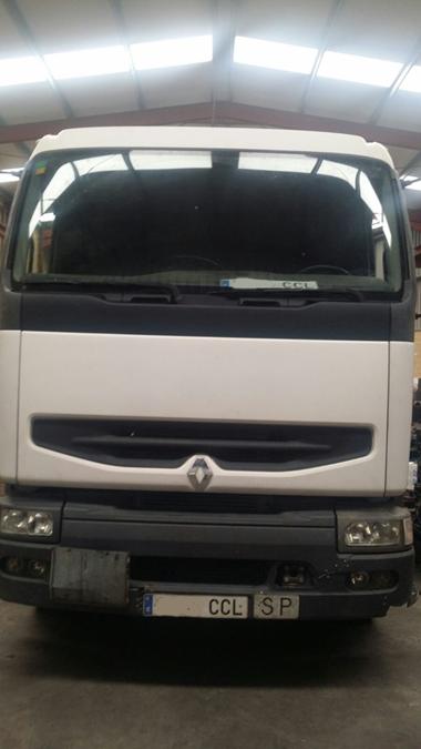 Renault 420DCI en desguace